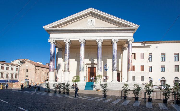 alexandersimonarchitekt1.jpg Installation cathédrale de Trévise 'Il GIARDINO di MISERICORDIA'
