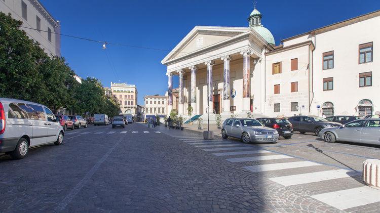 alexandersimonarchitekt2.jpg Installation cathédrale de Trévise 'Il GIARDINO di MISERICORDIA'